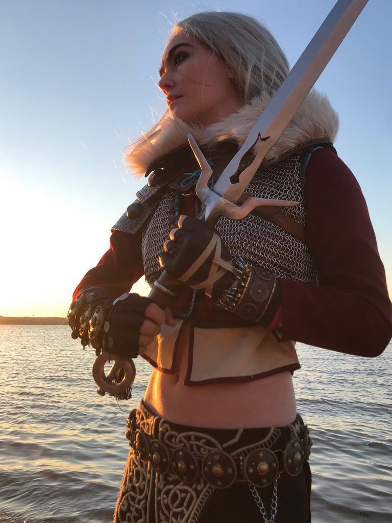 Ciri alternate outfit from the Witcher 3, at sunset with sword prop